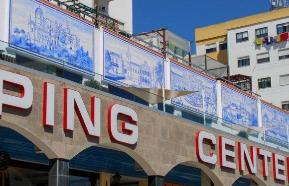 Recuperação dos Painéis de Azulejo do Shopping Center Massamá