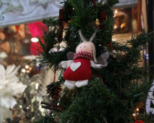 Anjo para pendurar na árvore de natal feito de tecido